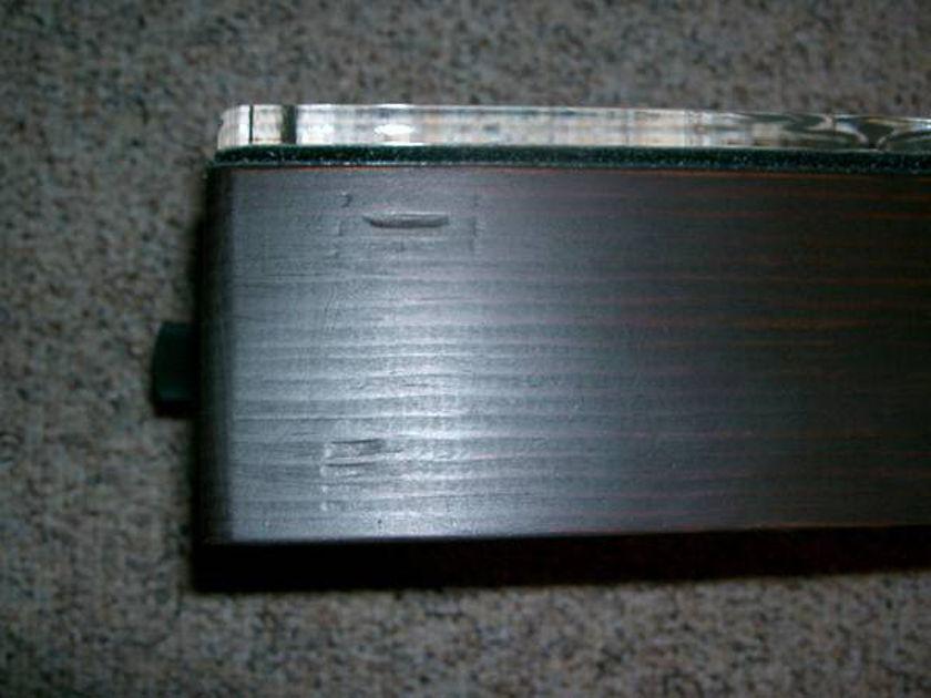Aum  Amplifier Company  Lotus    Dual Mono Gainclone