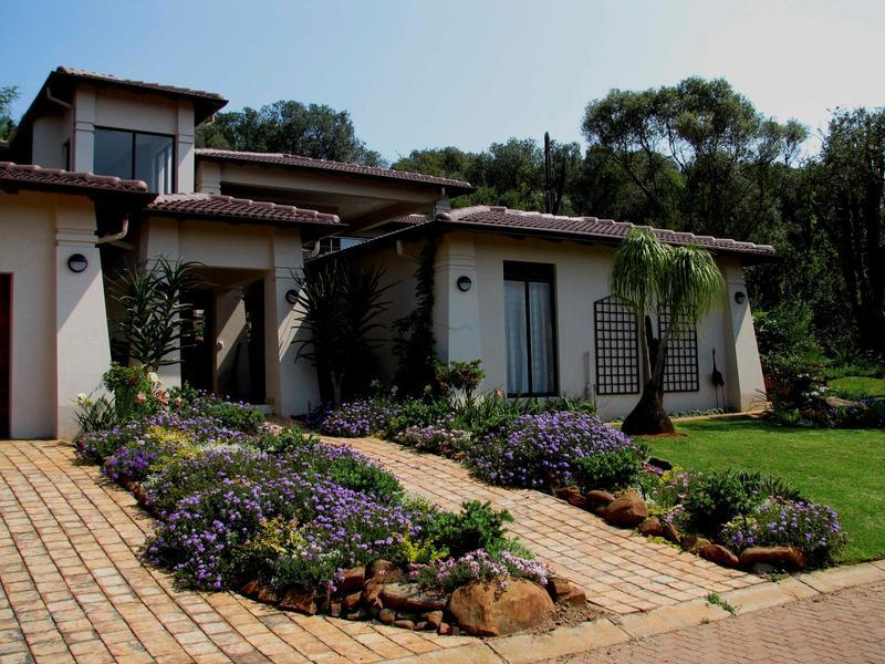 Real estate in Hartbeespoort Dam - ENV88338.jpg