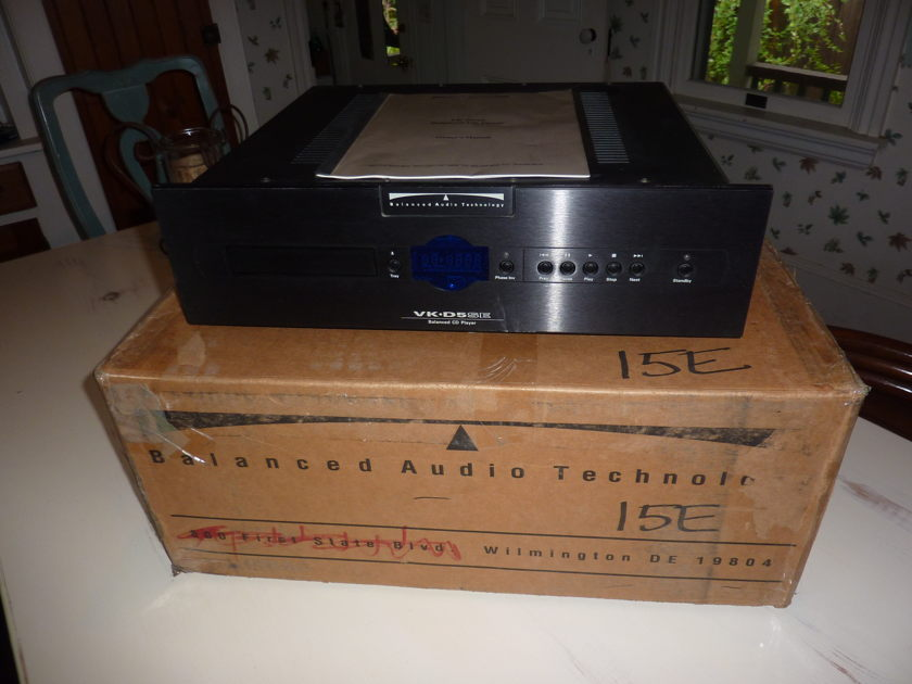 BAT - Balanced Audio Technology  VK-D5 SE cd player Excellent condition!