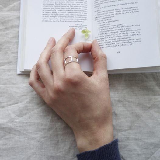 Кольцо из серебра с перемычками Спутник
