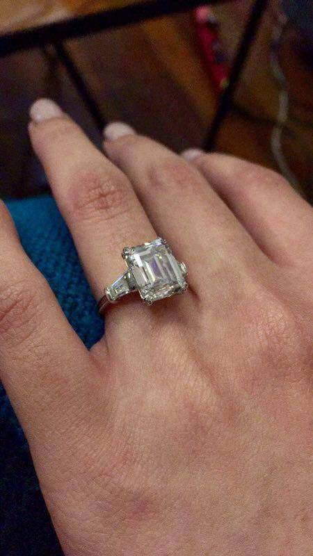 Alexis`s fiancée's engagement ring