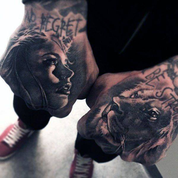 Tatouage Lion Mains