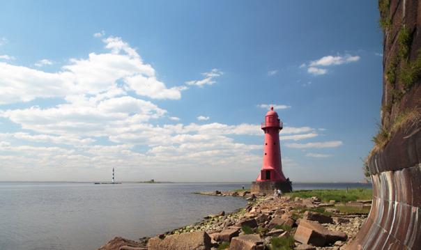 Большая морская экскурсия «Форты и маяки Кронштадта» с посещением форта и маяка