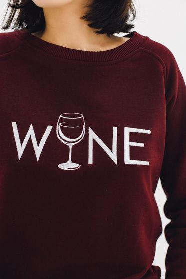 Свитшот с вышивкой WINE
