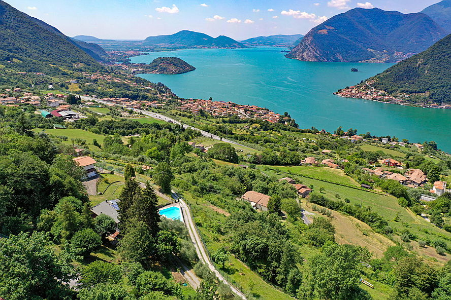 Sarnico - villa on Lake Iseo
