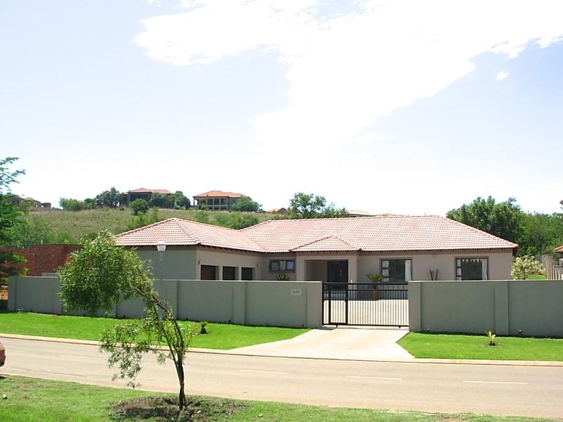 Real estate in Hartbeespoort Dam - ENV76950.jpg
