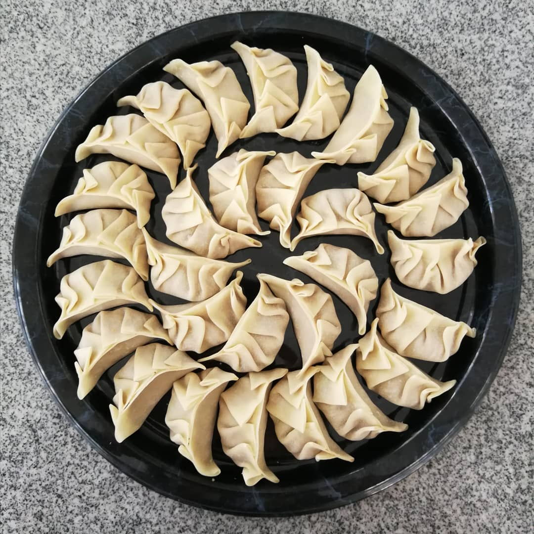 Used ready-made gyoza skin for this to save time, and pan-fried them as potstickers.