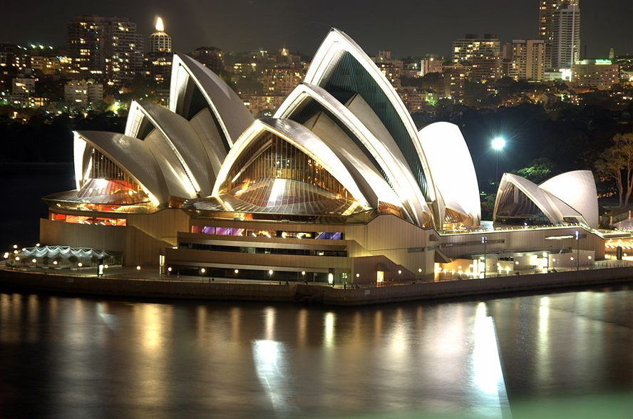 Portugal - 1024px-Sydney_Opera_House_Night.jpg