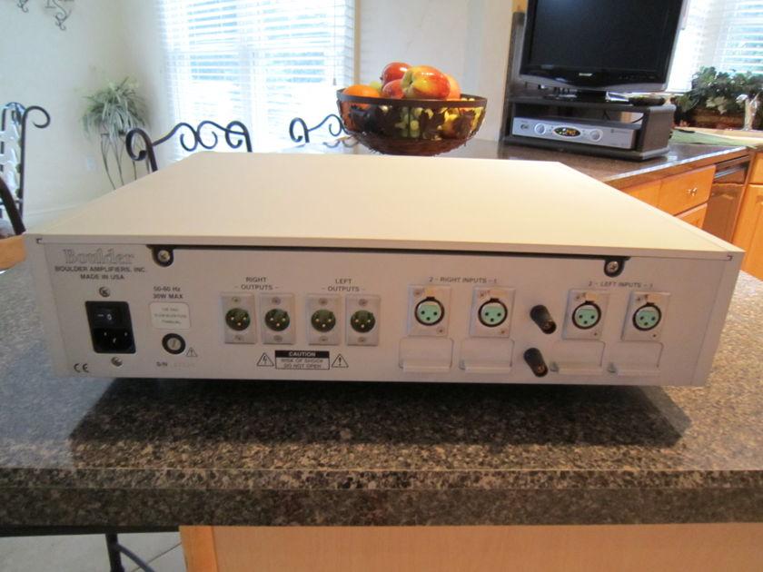 Boulder 1008 Phono Preamplifier