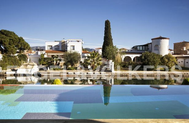 Awesome Super Villa Mit 6 SZ Und 25 M LP Am Hauptkanal Haus, Kauf | Spanien, Costa  Brava, Empuriabrava Kaufpreis: 1.485.000 EUR Details