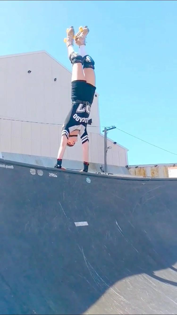 Neon Skating
