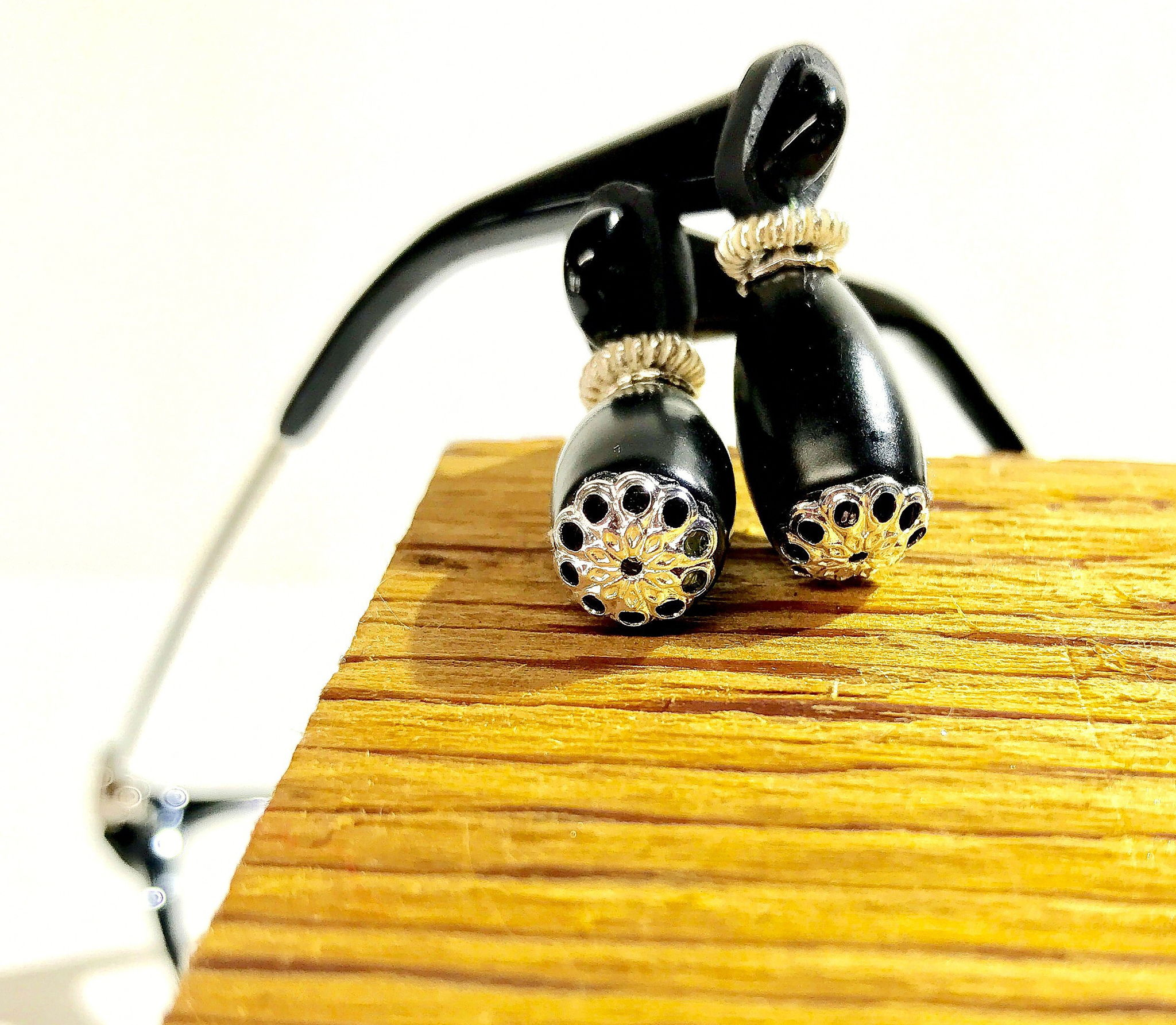 Eyeglass jewelry prevents eyeglass pain, pressure, nose dents, makes glasses comfortable