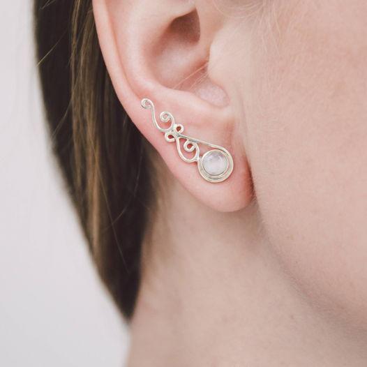 Серьги вдоль мочки уха «Страдивари» с натуральными камнями