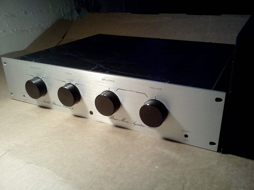 Audible Illusions Uranus 2 Tube Preamp by Bruce Moore modded by Ric Schultz with Outboard PSU