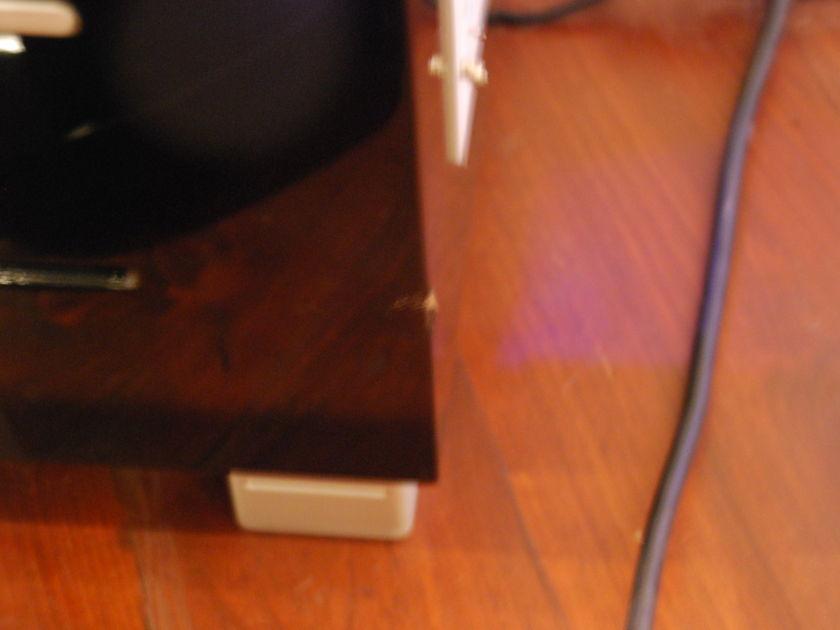 REL Subwoofer R528 Piano Black