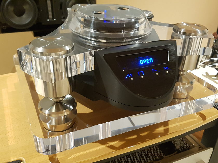 Metronome Calypso Reference CD Turntable C8+ DAC Combo Dual Voltage 115V/230V