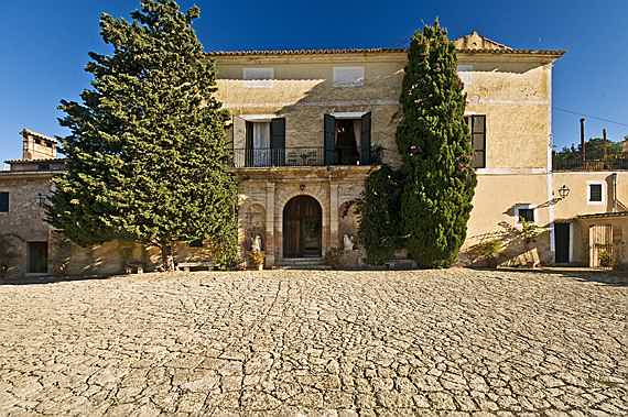 Llucmajor, Mallorca - Grand manor residence with antique oil mill in Santa Maria