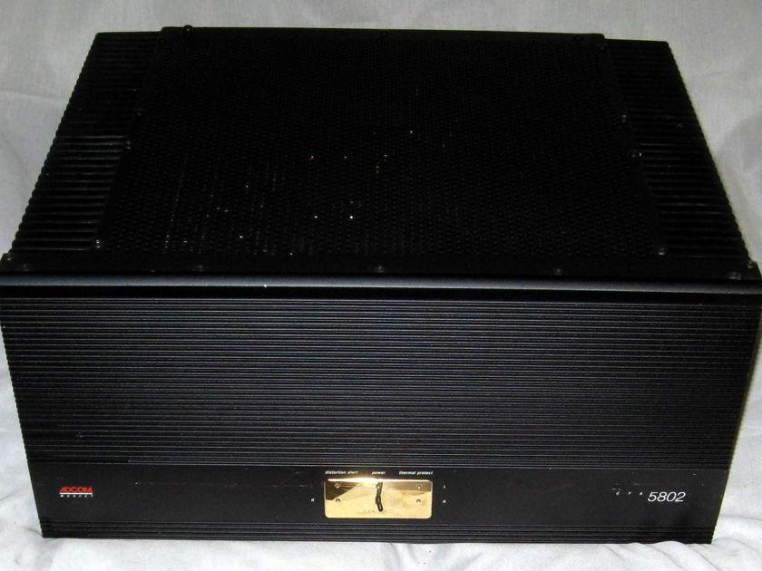 Adcom GFA-5802 power amplifier