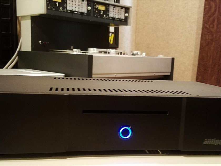 ANTIPODES AUDIO DX REFERENCE GEN2 DEMO MODEL TOP OF THE LINE MUSIC SERVER FULLY LOADED PLUS EXTRAS