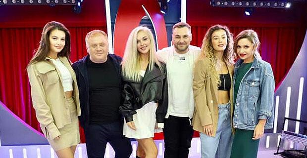 Группа «ВИА Гра» навестила утреннее шоу «Русские Перцы» - Новости радио OnAir.ru
