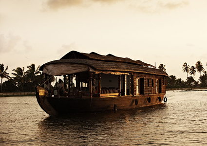 kerala-boats-backwaters