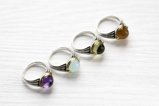 Кольцо с минералами.