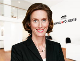 real-estate-agent-nathalie-von-olderhausen-engelvoelkers-elbe.jpg