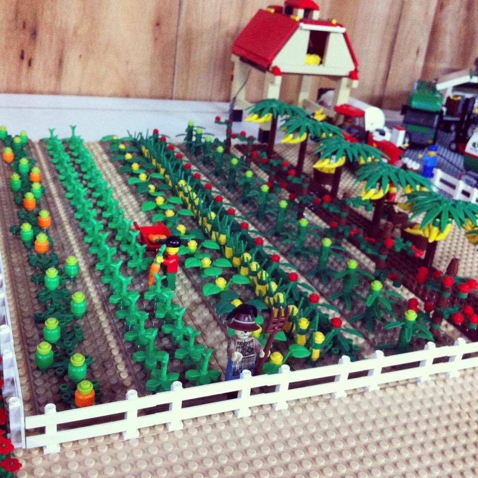 The LEGO Broccoli Farm