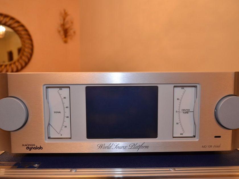 Magnum Dynalab MD 109  / WORLD'S BEST FM Reference Tuner!  Switchable 115V or 220V!