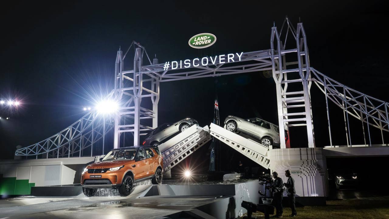 Land Rover advertisement