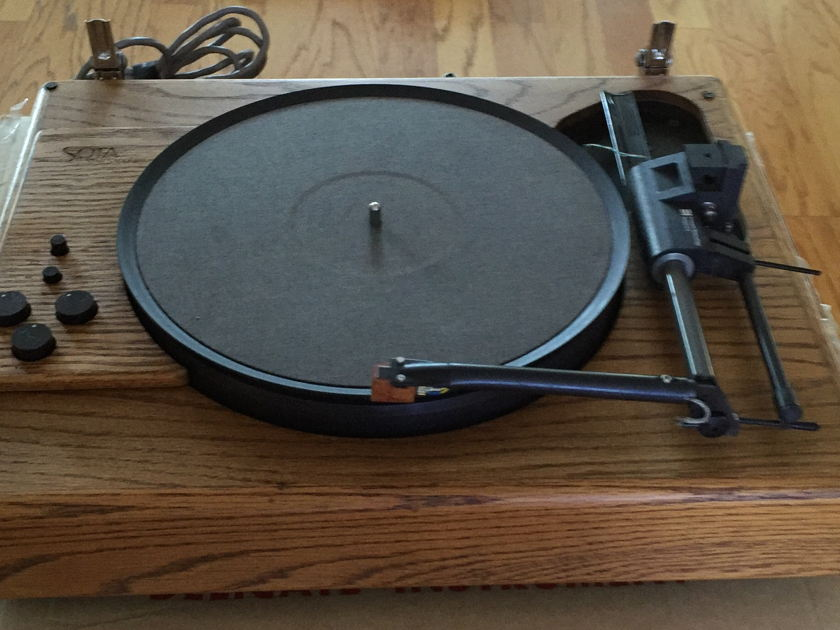 Sota Sapphire Star Turntable  with Eminent ET-2 Tonearm & Benz Ruby Cartridge
