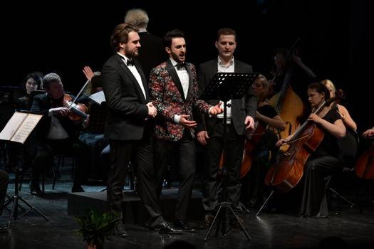 """""""РУСДРАМ-Opera 2.0"""": оперный триумф в Театре Искандера"""