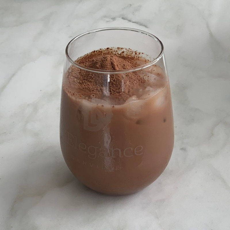 Honestly speaking, making a Milo drink is simple but I always not able to achieve kopi drink vendor's quality.  Waiting how Grace preparing it, I am getting closer.  I enjoyed this glass of Milo.