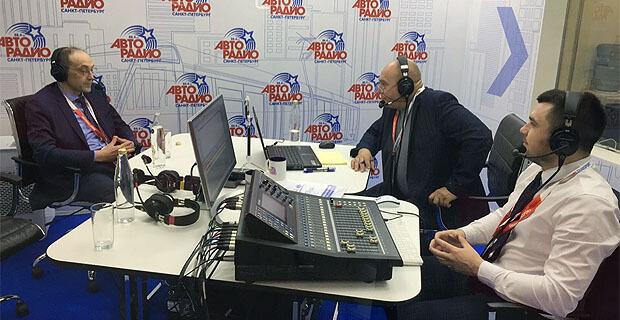 На международном инновационном форуме SmartTRANSPORT в Санкт-Петербурге начала работу открытая студия «Авторадио» - Новости радио OnAir.ru