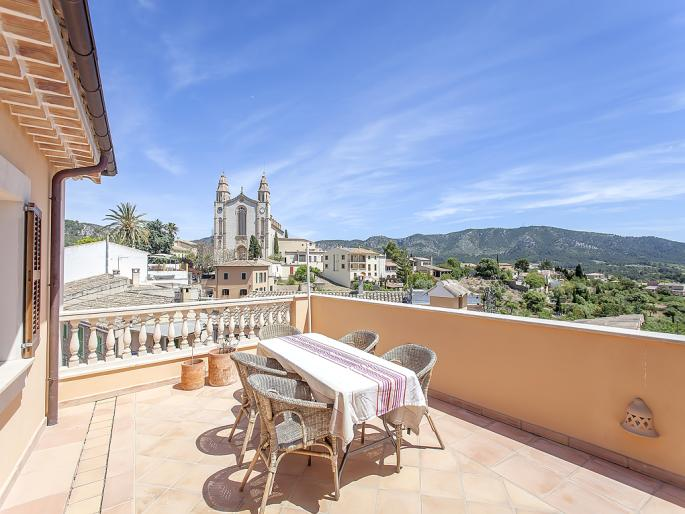 Town house with historic charm in Calvia