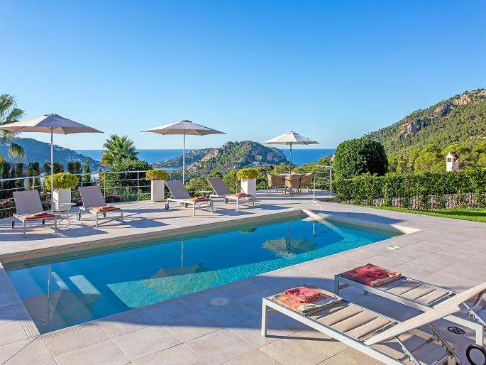 Beautiful villa with views over Port Andratx