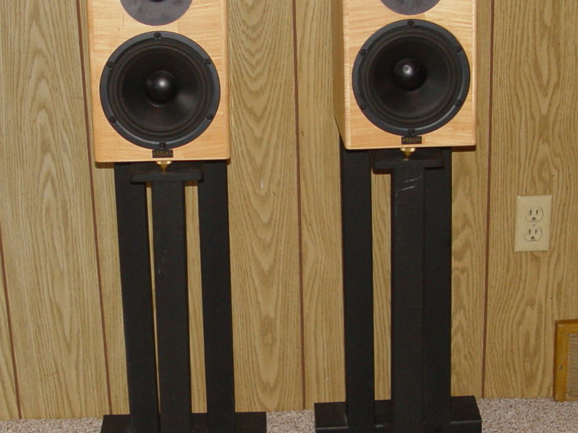 Aerial Acoustics Model 5 Speakers Birds Eye Maple Local Pickup Only
