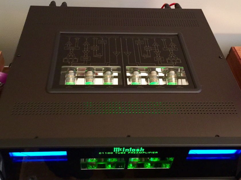 McIntosh  C1100 Vacuum Tube Preamplifier  BEAUTIFUL, AS NEW Condition