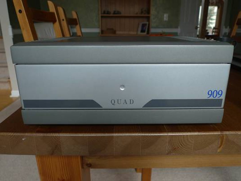 Quad 909 Silver (price lowered) Great condition