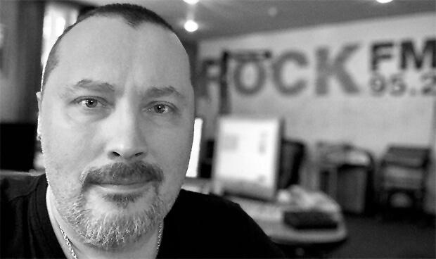«Главное - здоровый коллектив!». Как радиостанция Rock FM работает на карантине - Новости радио OnAir.ru