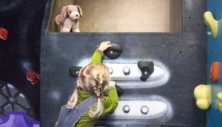 kletterarena dresden kleines kind klettert