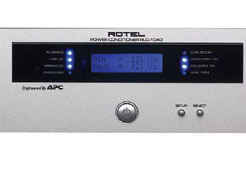 Rotel  RLC 1040 MINT ROTEL Power Conditioner with silver face.