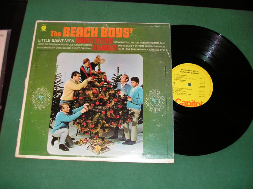 THE BEACH BOYS' CHRISTMAS ALBUM - * PRE-1977 CAPITOL MONO - CAP10a LABEL *  NM 9/10
