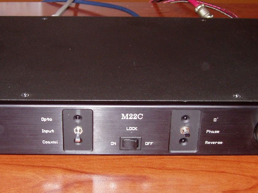 Monarchy Audio M22C Linestage Preamp / DAC