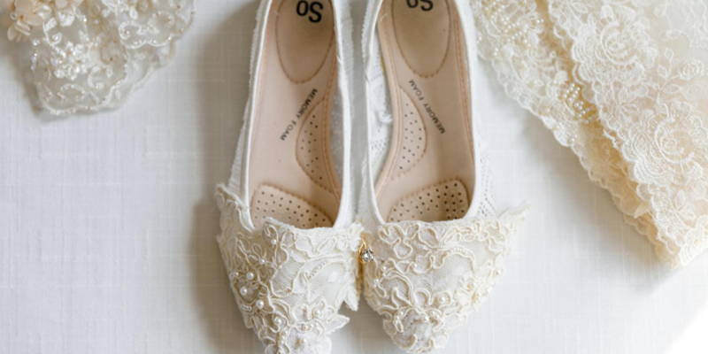 What should your wedding shoes look like?