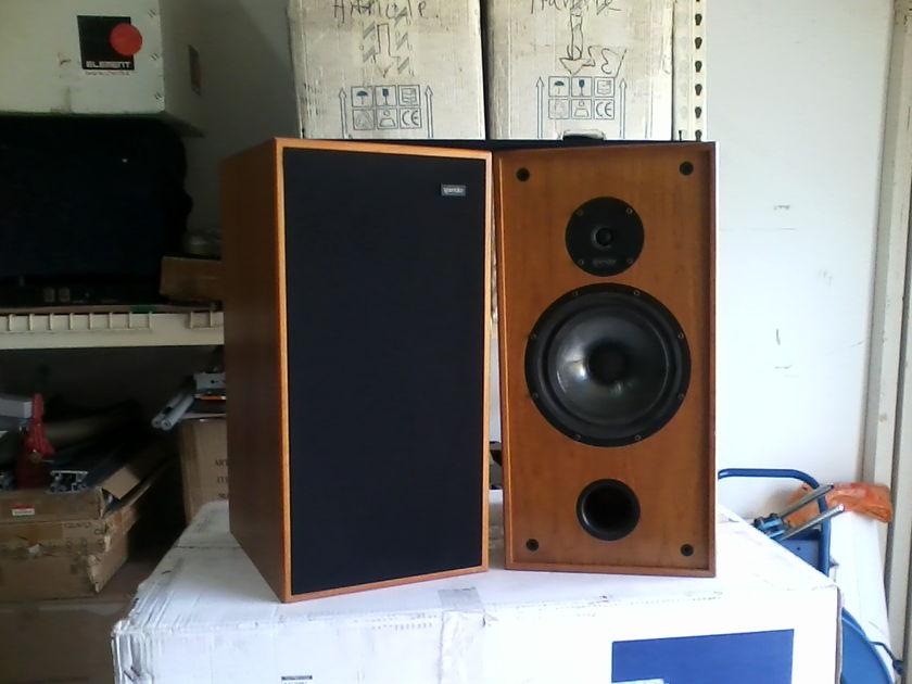 Spendor  SP2/3 Light Cherry 2 Way loudspeaker