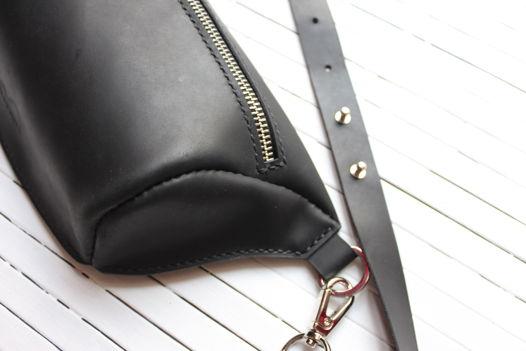 Поясная сумка из натуральной кожи черная