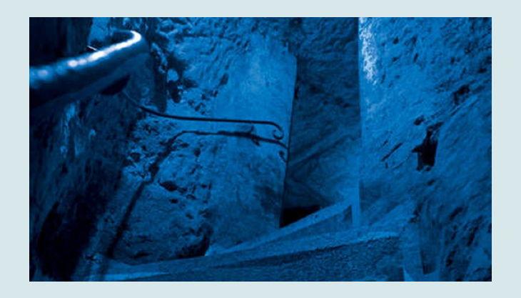 historische felsengaenge licht treppe stein