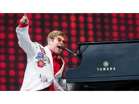 Elton John Live in Concert!