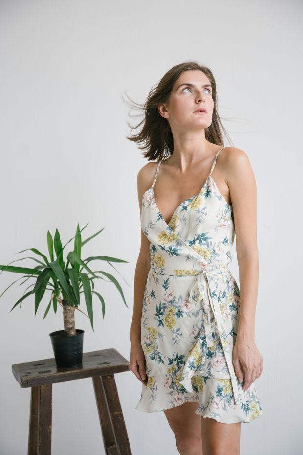 Платье в цветочный принт на лямочках, натуральный шелк